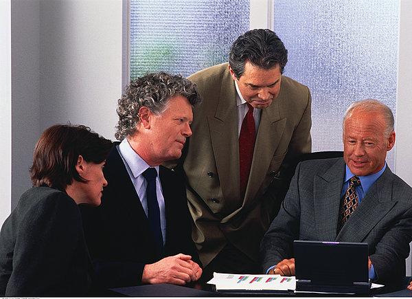 股权转让的过程中企业所得税应该怎么处理?